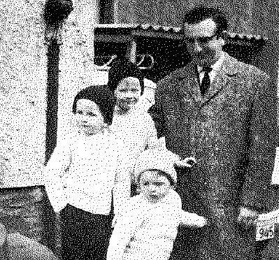 Hubert Granderath mit seinen drei Söhnen