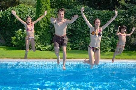Hol Dir Dein Schwimmbad nach Hause