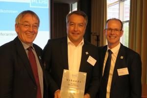 Auch eine Ehrung war dabei: alles Gute zum 70-jährigen Firmenjubiläum, Markus Weber (Behncke)!